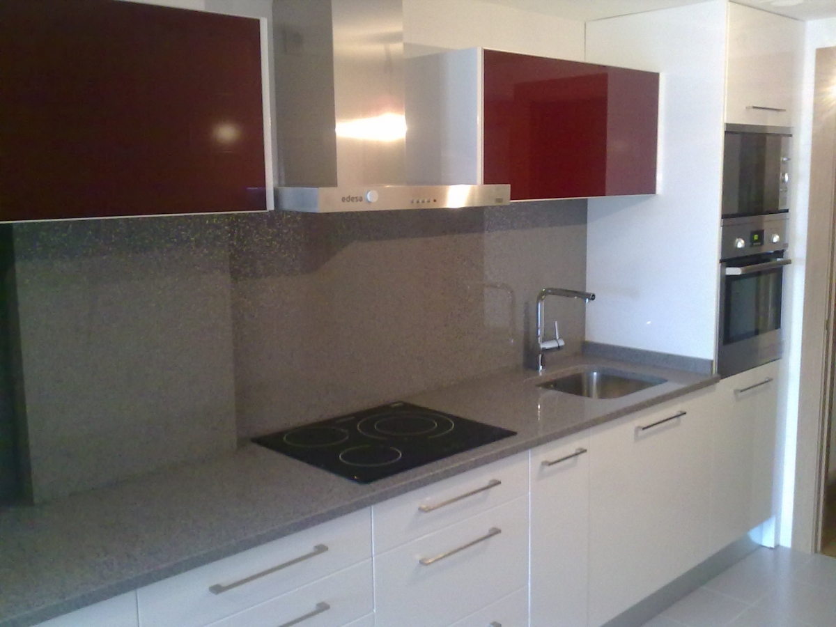 Muebles de cocina en pamplona buffet de cocina con for Muebles rey navarra